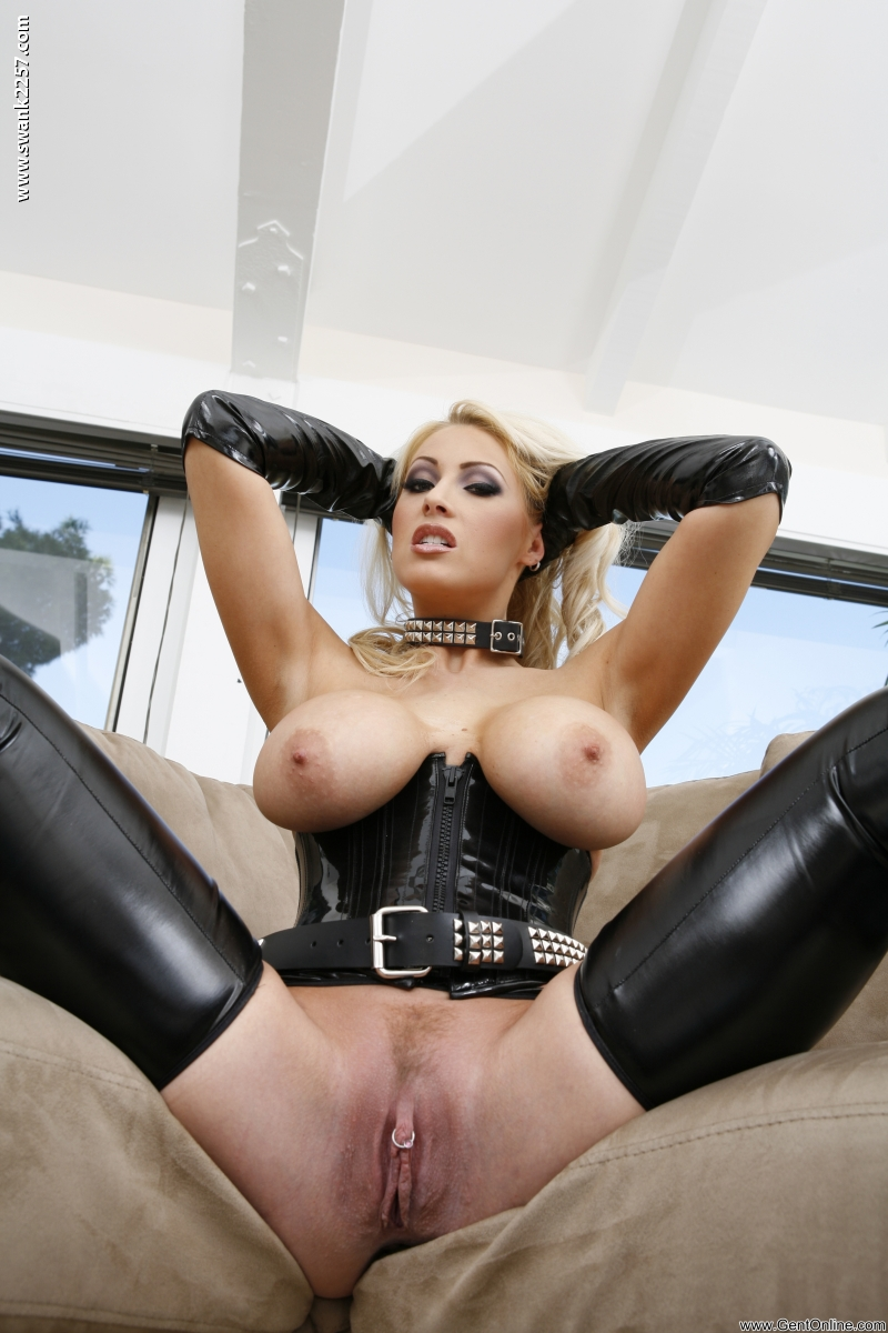 Big Oiled Ass Sexy Girls Naked Magazine Spreading Her Wet Cunt Cheers&nbsp